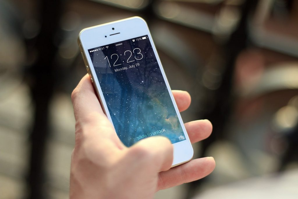 benefits of iphone over android